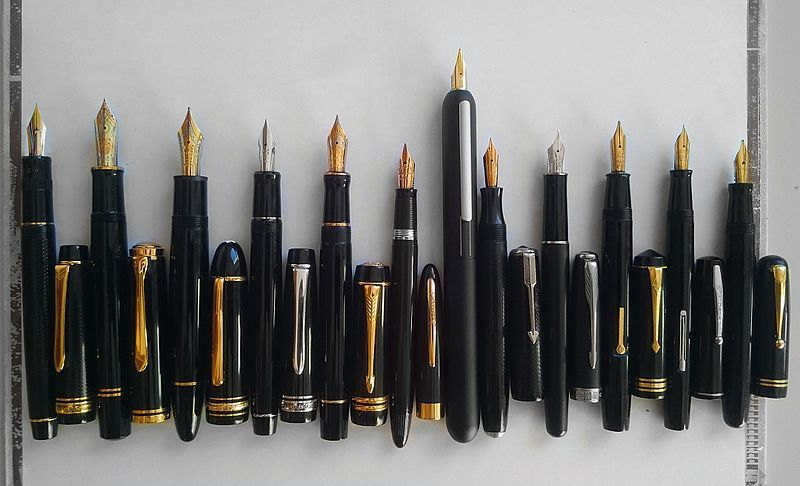 How to Store a Fountain Pen - Vertical Fountain Pens with nibs upwards