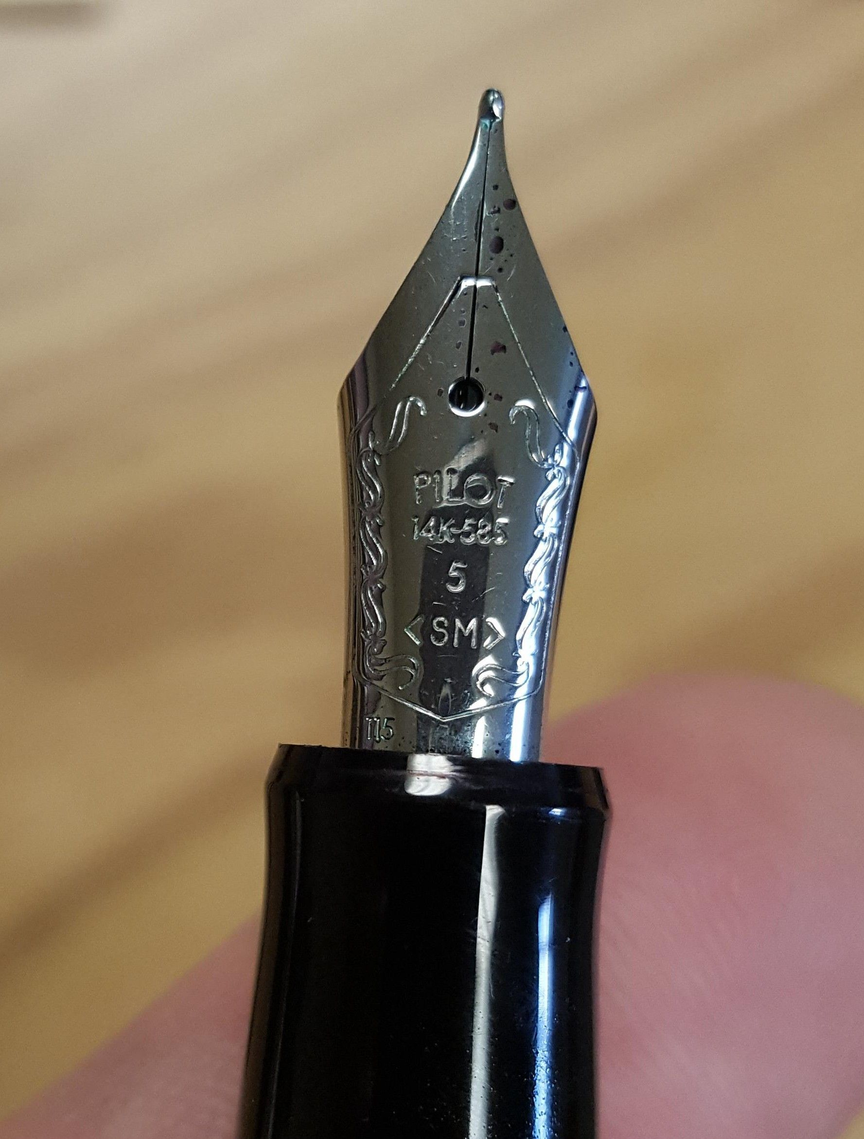 pilot-custom-heritage-91-fountain-pen-review-nib-compressor