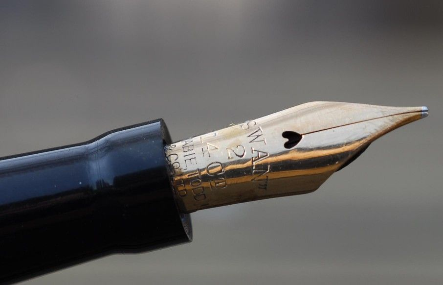 What is a Fountain Pen? Swan Nib