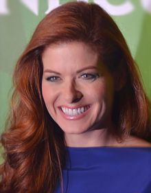 celebrities-and-their-fountain-pens-debra-messing